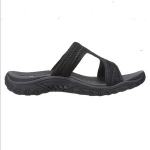 Skechers black t -strap SANDALS slide on 9 wide